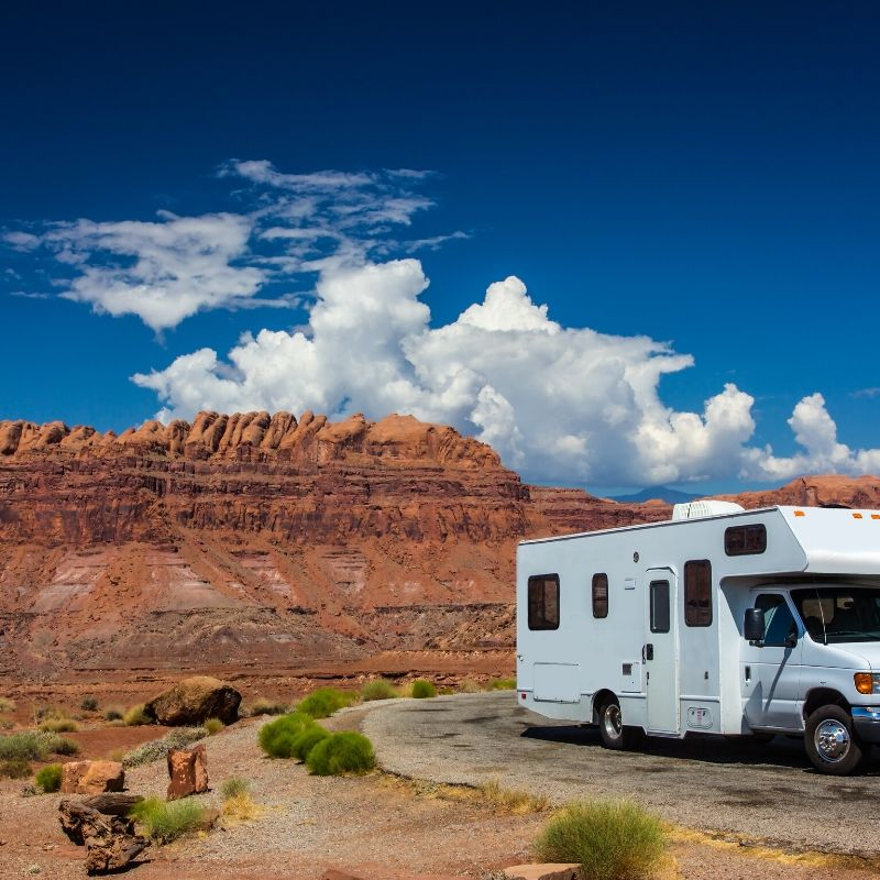 motorhome parked on side of road mobile rv repair service
